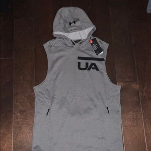 Under Armour sleeveless hooded pullover